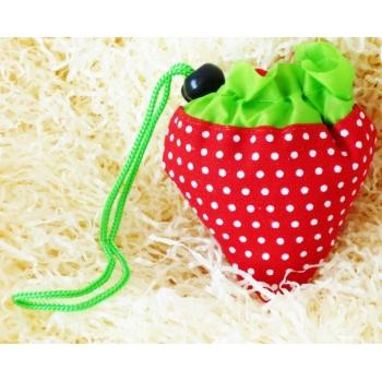 sac de course pliable en forme fraises ecuyer des saveurs. Black Bedroom Furniture Sets. Home Design Ideas